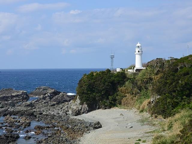 潮岬灯台(しおのみさき)
