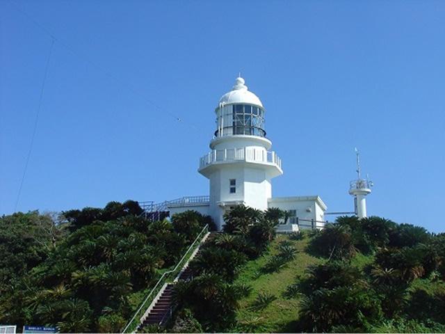 都井岬灯台(といみさき)